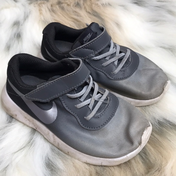 Black and Grey Ombré Nike Shoes Size 10 GUC